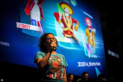 gamescom2013_entertain-me_007_online