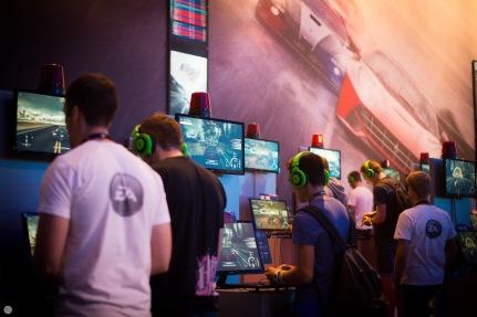 gamescom2013_entertain-me_014_online