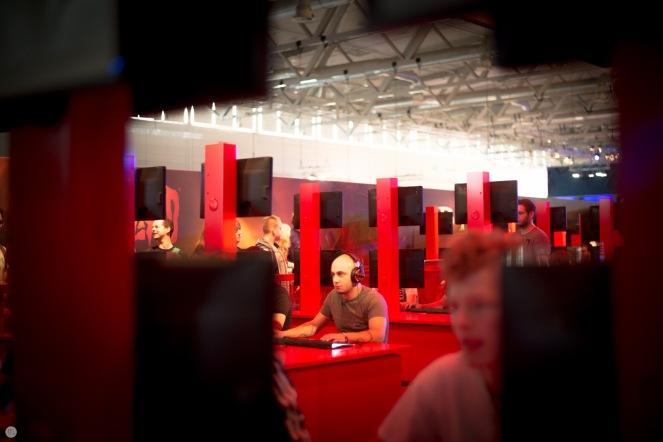 gamescom2013_entertain-me_018_online