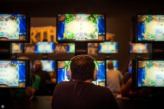 gamescom2013_entertain-me_019_online