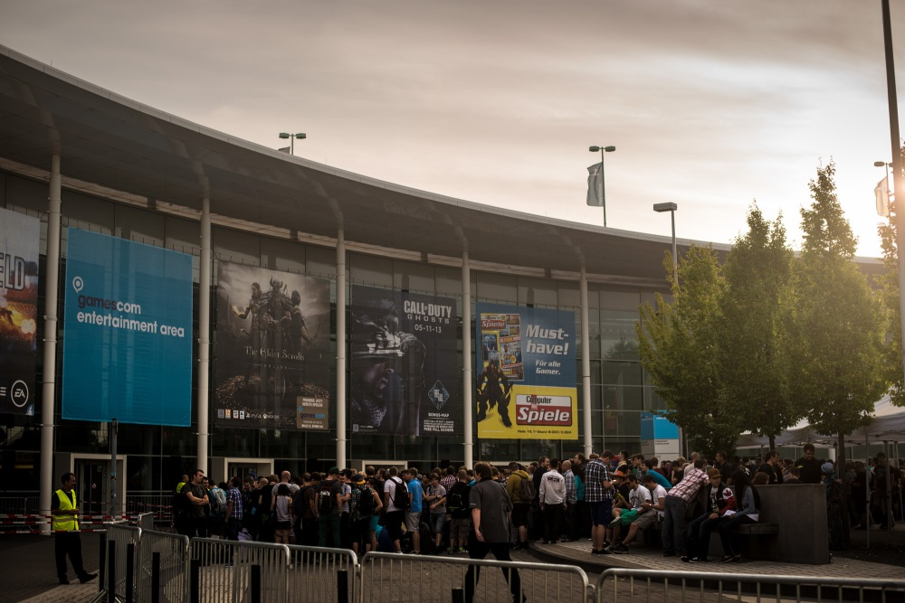 gamescom2013_entry_002_online