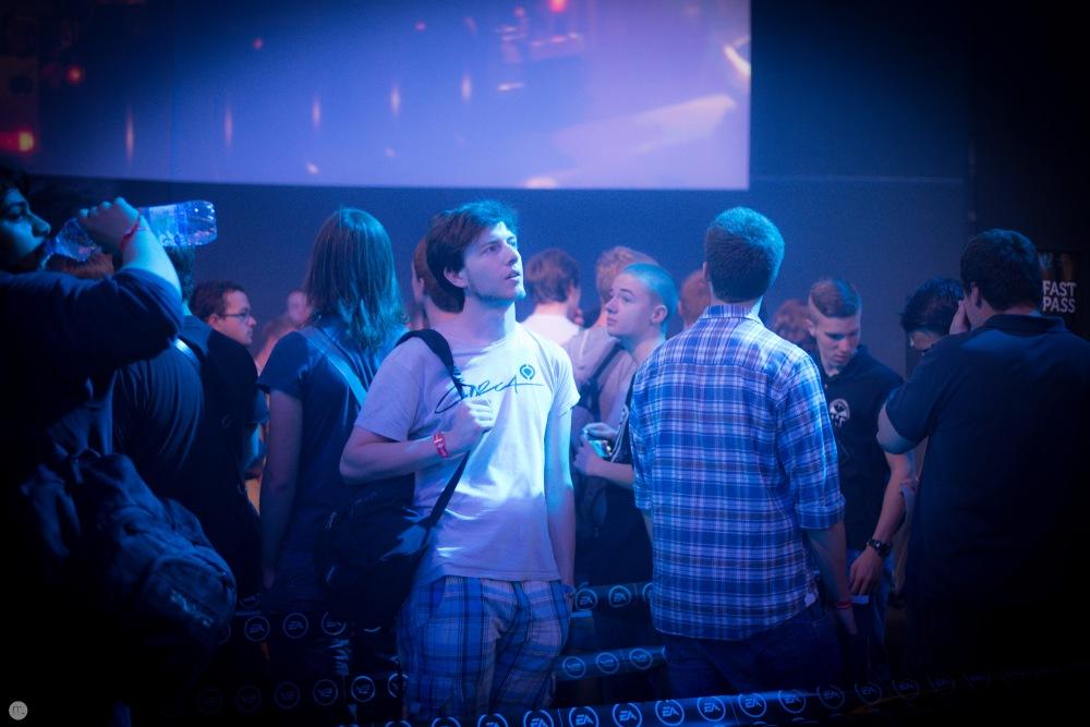 gamescom2013_sidesteps_006_online