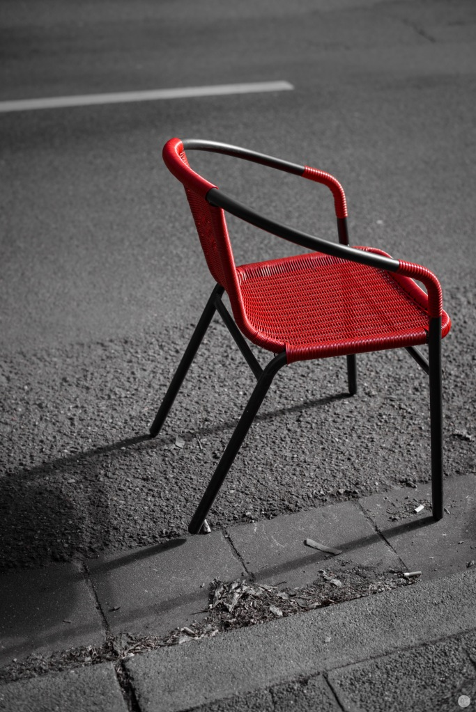 seat-on-the-street_001_online