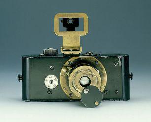 512px-Ur_Leica