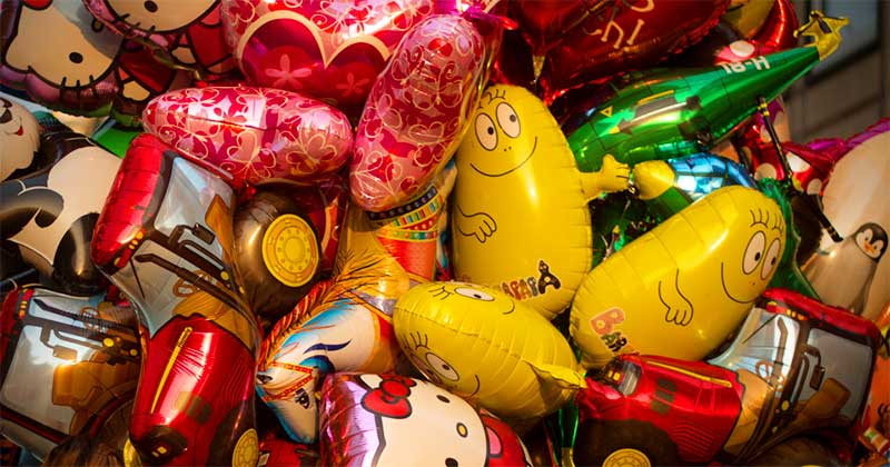 understanding-bw_balloons