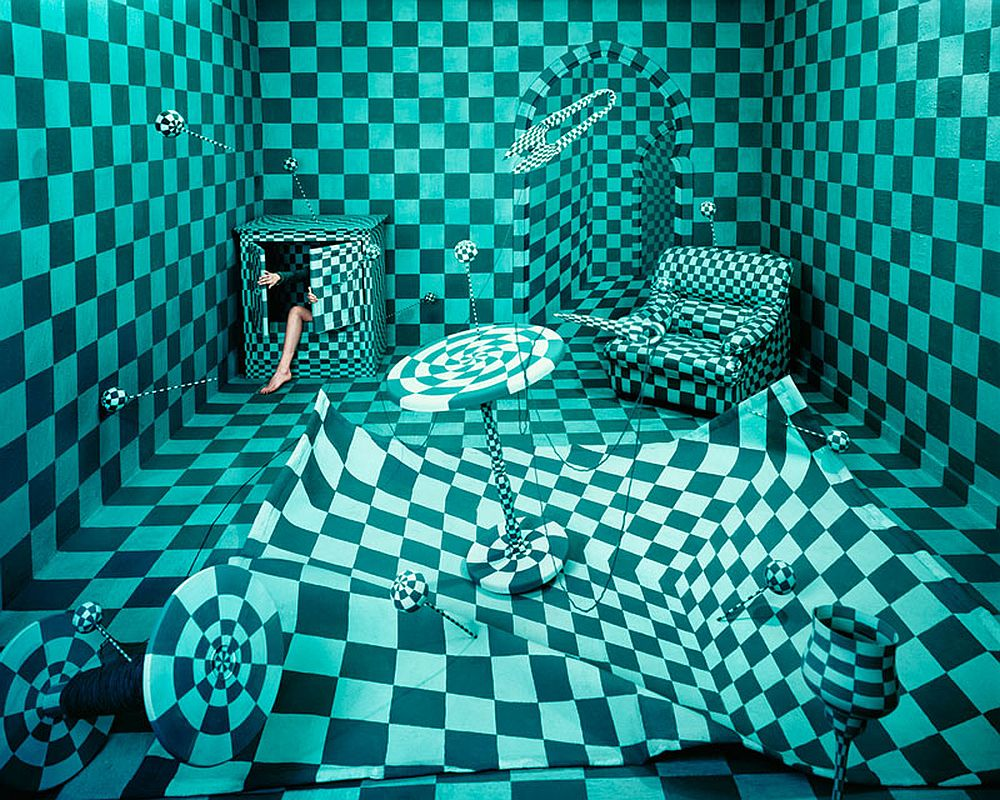 jee-young-lee_stage-of-mind_panic-room