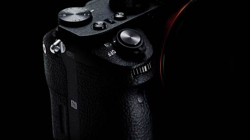 artikelbild_hands-on_sony-a72