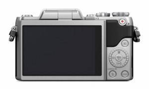 hands-on_panasonic-gf7_back