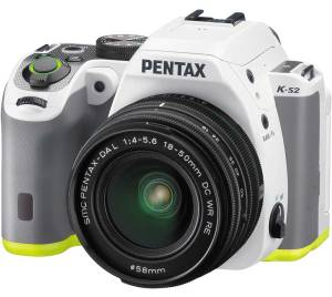 hands-on_pentax-ks2_slant-white