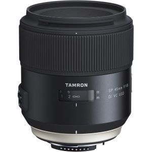hands-on_tamron-sp45mm_aufrecht