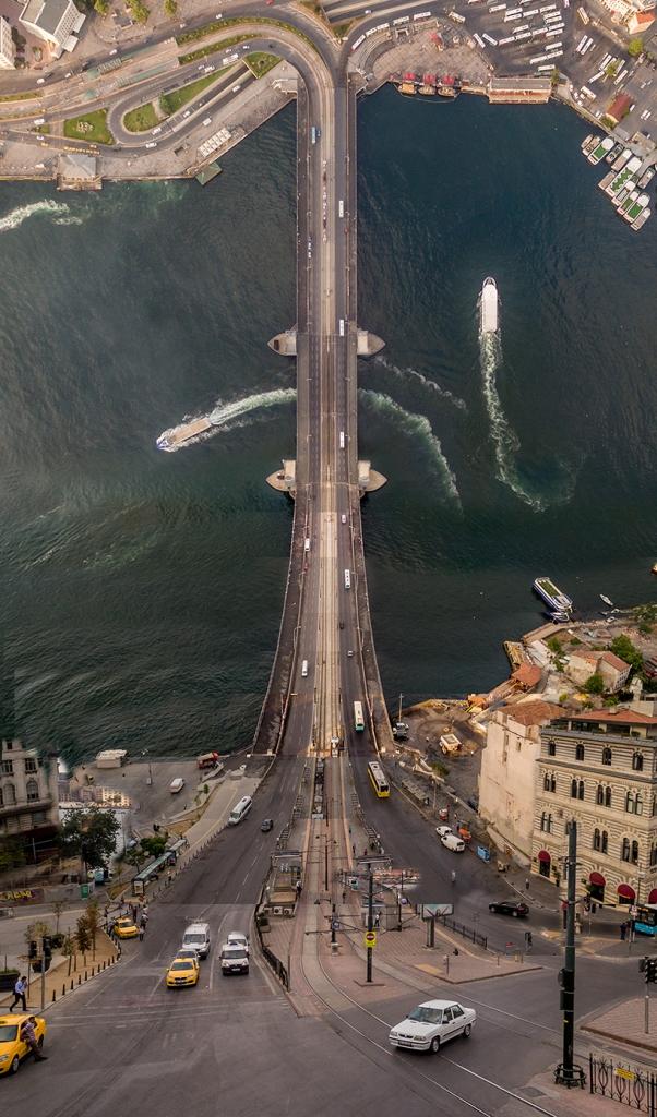 giba_aydin-buyuktas_flatland_galata-bridge