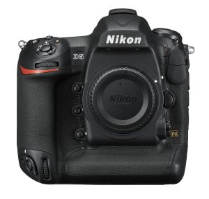 hands-on_nikon-d5_front